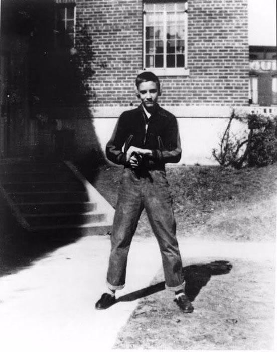 Элвис Пресли в 1949 году.