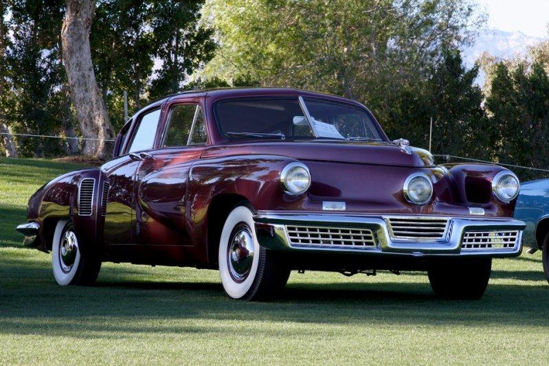 В США автовладельцы с чешскими машинами не были знакомы. Разве что с моделью Tatra 77, да и только те, кто высаживался в Нормандии.  заднемоторная компоновка, седан