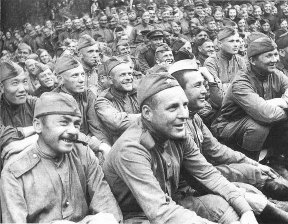 Напутствие от Немировича-Данченко артистам МХАТа перед гастролями на фронт