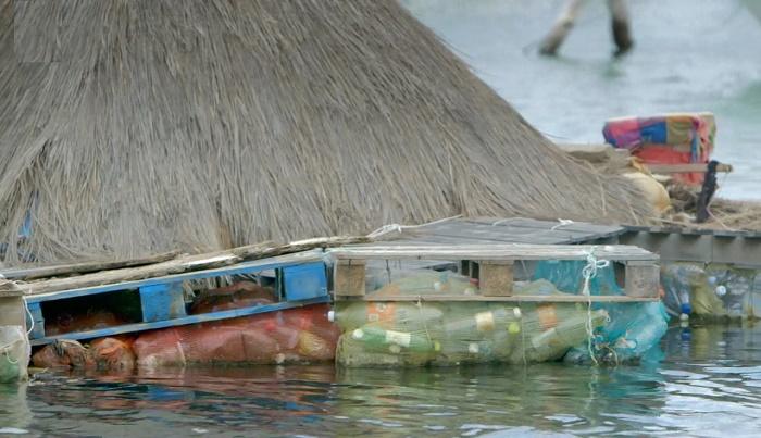 Собственный остров из пластиковых бутылок: вдохновляющий опыт британского художника острова, Ричард, бутылок, пластиковых, Joysxee, Мексика, остров, острове, построил, остров», создал, начал, бутылки, побережье, художник, «Спиральный, жителей, художника, создания, берегу