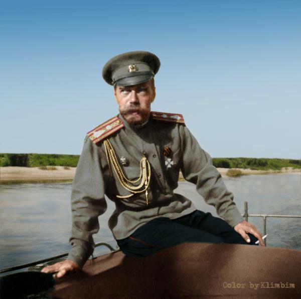 Как бы повернулась история, сумей Николай II удержаться у власти