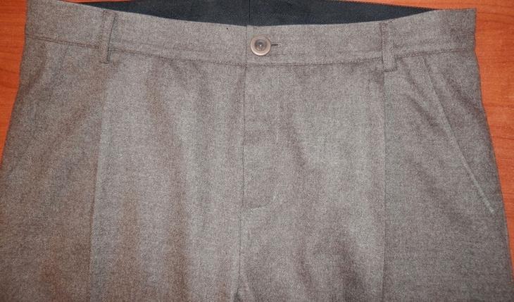 Готовый гульфик на женских брюках, сшитых своими руками, вариант 4