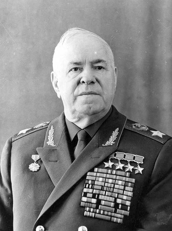 маршалы советского союза картинки стюартиана желтыми