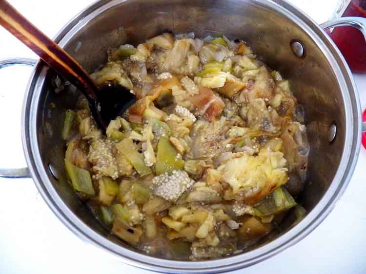 Рагу и икра из запеченных баклажанов и перцев с томатной пастой овощные блюда