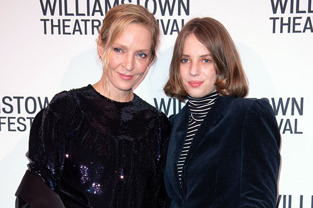 Ума Турман с дочерью Майей на театральном фестивале в Нью-Йорке