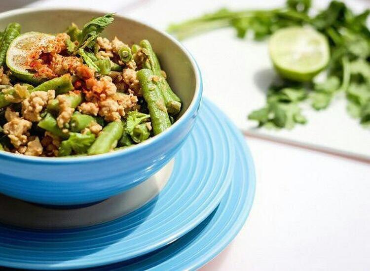Диетический ужин из овощей и куриного фарша