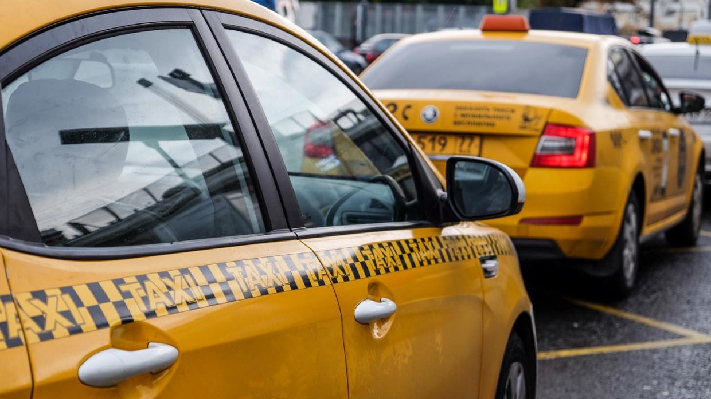 В Подмосковье девушки заявили о попытке изнасилования в такси Происшествия