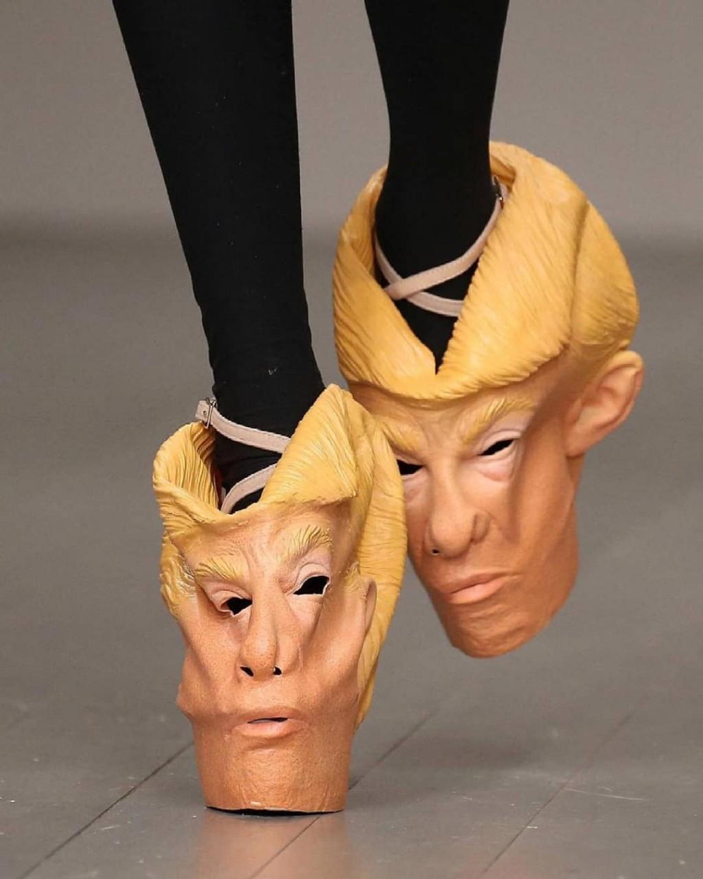 Туфли с лицом Трампа и комбинезон на всё тело: 9 самых диких модных луков дизайнеры