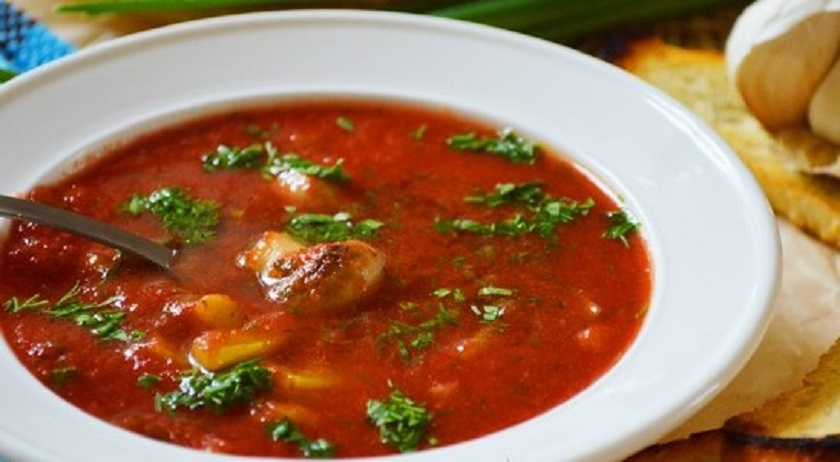 Горячий томатный суп с грибами: с любовью из Италии