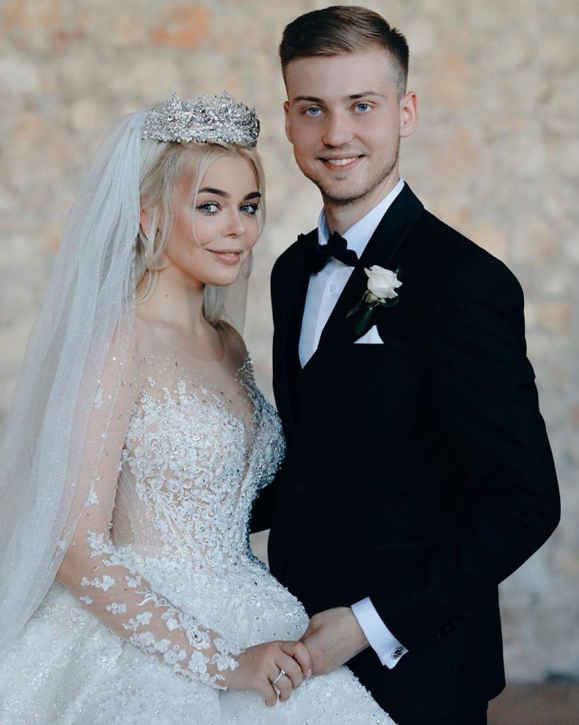 Алина Гросу развелась с мужем через полгода после громкой свадьбы Алина Гросу,звезда,концерт,наши звезды,певица,развод,свадьба,фото,шоубиz,шоубиз