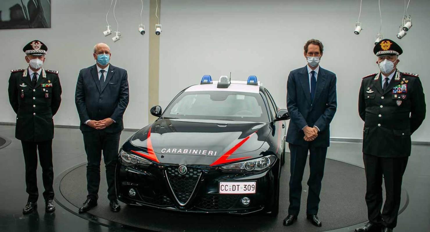 Alfa Romeo представила бронированный Giulia Автомобили