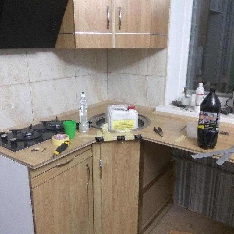 Когда сам быстренько собрал кухню. Хорошо, когда, заточены, нужным, углом