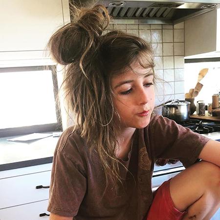 Алисия Сильверстоун рассказала, что ее 9-летнего сына высмеяли из-за длинных волос Звездные дети