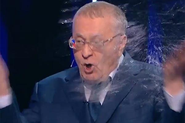 Картинки по запросу Собчак плеснула Жириновскому водой в лицо. Скандал в прямом эфире!