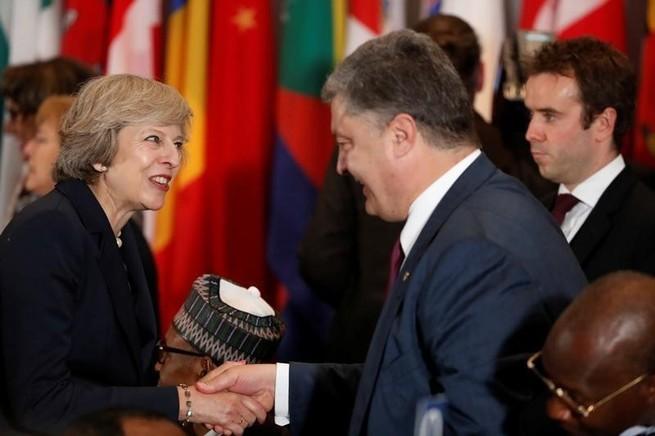 Порошенко поехал в Лондон искать новых хозяев