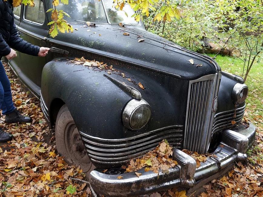 Редкий лимузин ЗиС-110 с минимальным пробегом простоял в саду под деревом 60 лет авто и мото