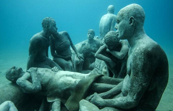 Что можно увидеть в единственном в мире подводном музее