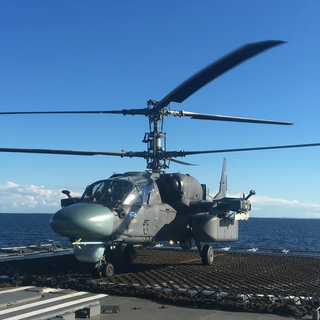 "Вертолет Ка-52К на фрегате ""Адмирал Горшков"""