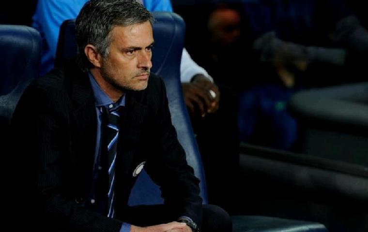 Жозе Моуринью покинул пост главного тренера «Манчестер Юнайтед»