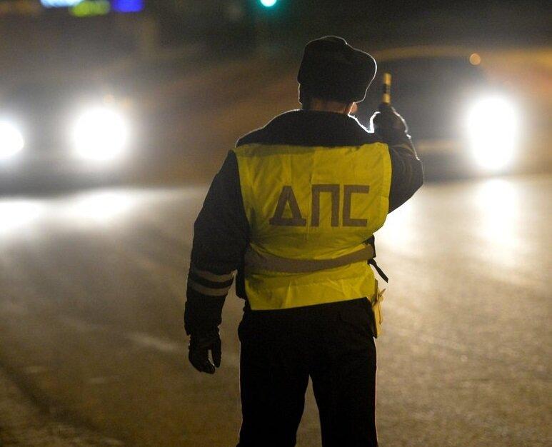 В каких случаях ночью я никогда не останавливаюсь, если меня тормозит инспектор ДПС авто и мото,водителю на заметку