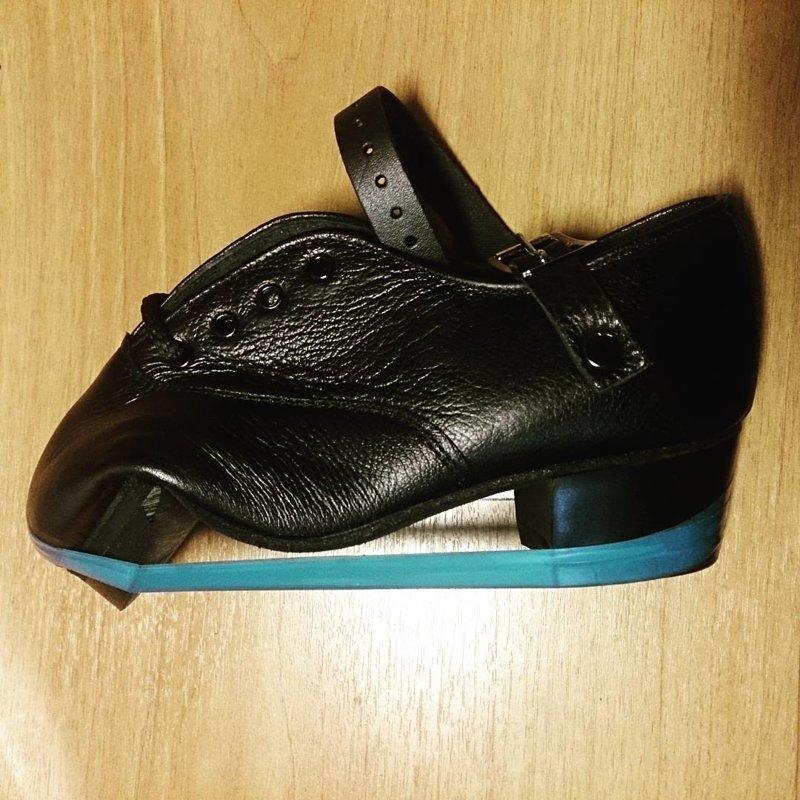 А так готовят обувь для ирландского танца. Как же без нее, родимой? Синяя изолента, Фабрика идей, кулибины, умельцы, юмор