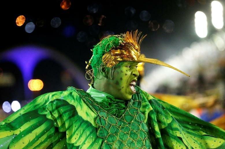 Танцовщики школы Beija-Flor бразилия, в мире, карнавал, события, фото, фотоотчет, фоторепортаж