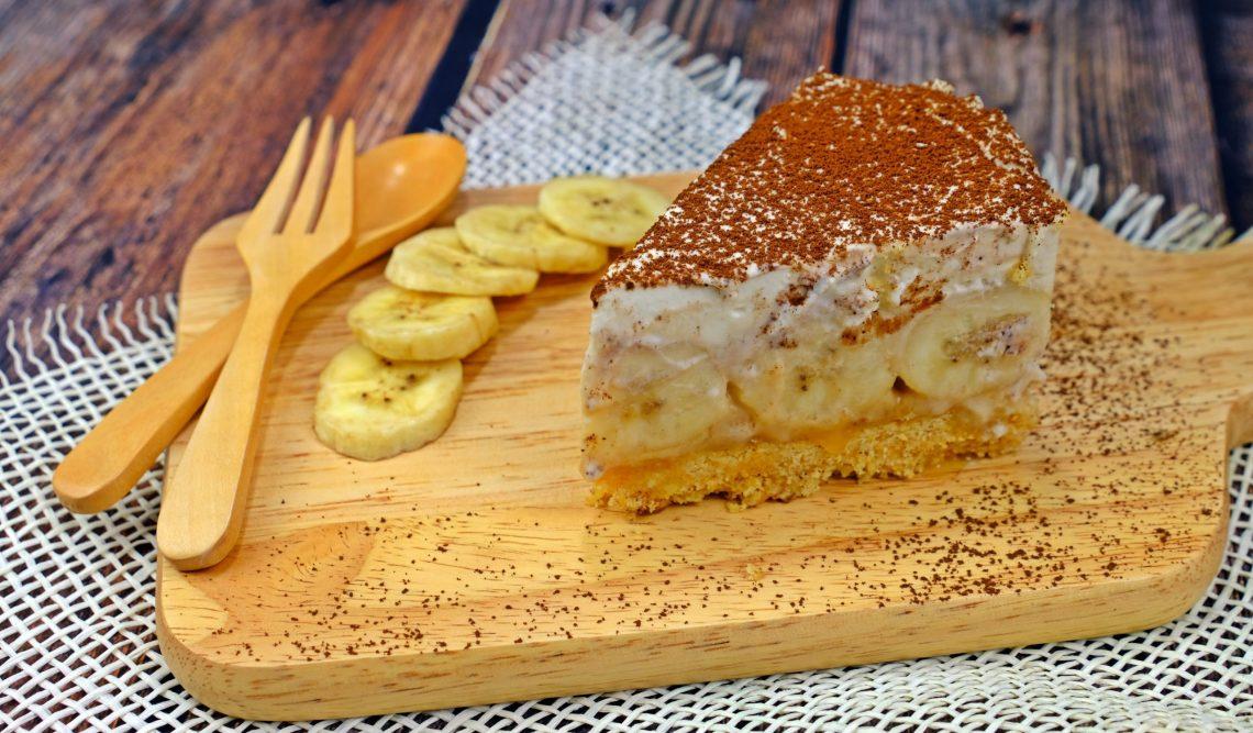 Даже духовки не надо. Нежный банановый торт без выпечки десерты,торты