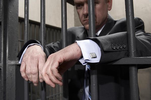 Чиновник повышенной криминальности: как у нас сажают высших лиц