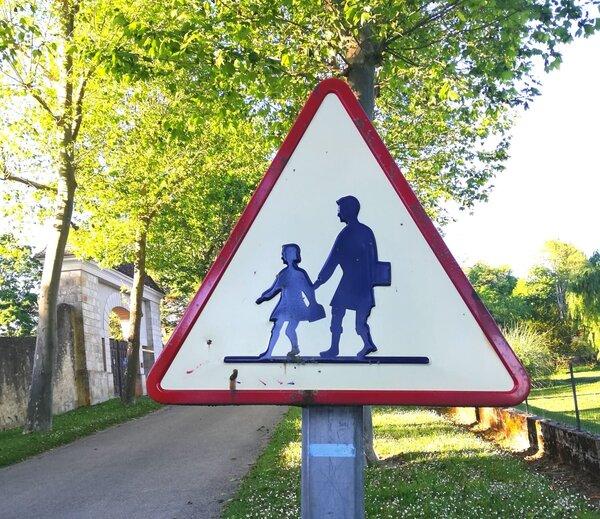 Зачем перелезать через забор: чему научили русские дети французов и чему не смогли научить