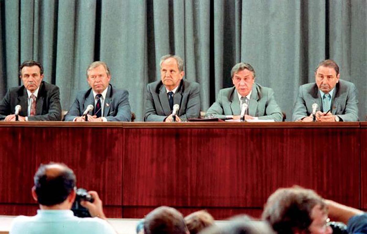 Заговоры неудачников: три самых знаменитых путча в СССР