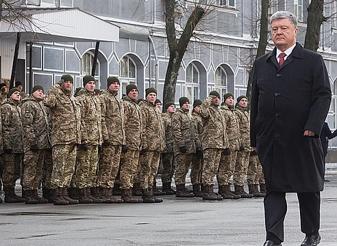 «Дыр-дыр-дыр, мы за мир»: Порошенко подписал закон, объявляющий Россию «агрессором»