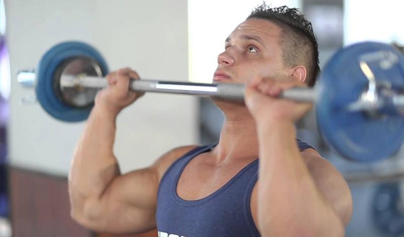5 упражнений для мощных плеч: прибавляем 4 сантиметра в ширину