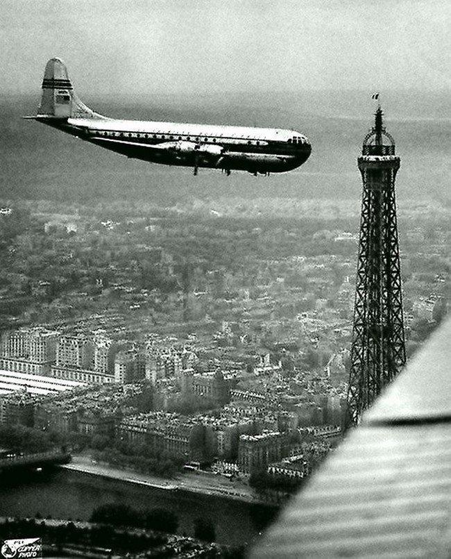 Боинг над Парижем в 1949 году. Весь Мир в объективе, ретро, старые фото