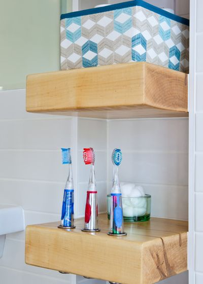Модернизм Ванная комната by Wanda Ely Architect Inc.