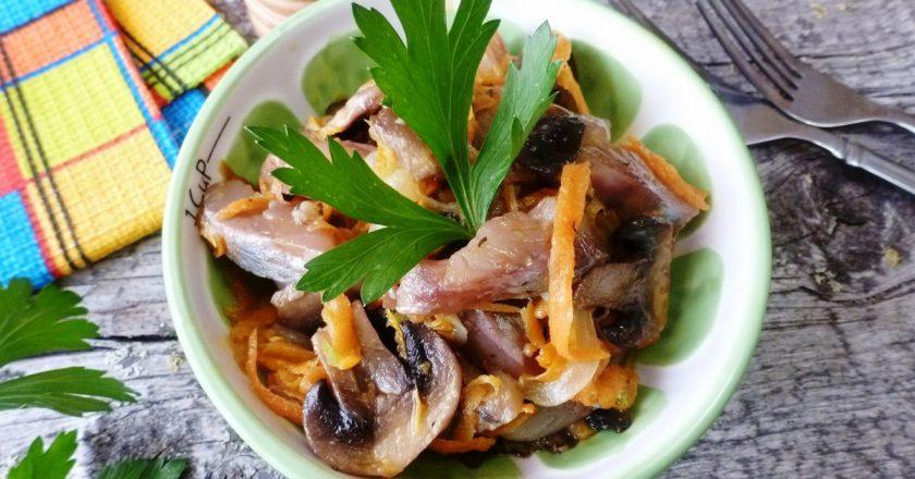 Салат с селедкой и грибами: конек балтийских народов