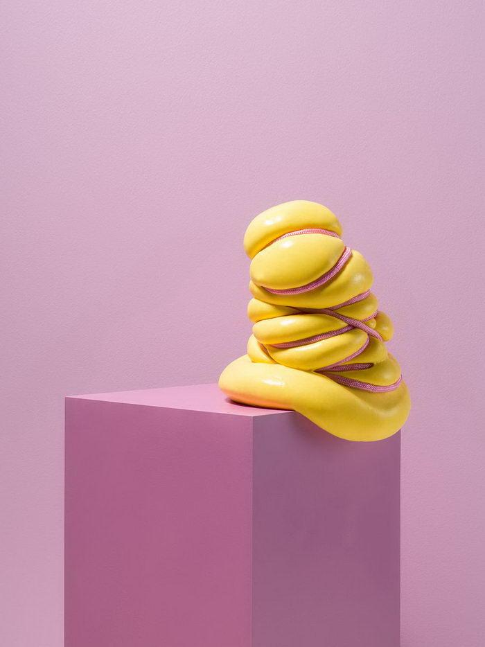 Минимализм в иллюстрациях Jonathan Knowles