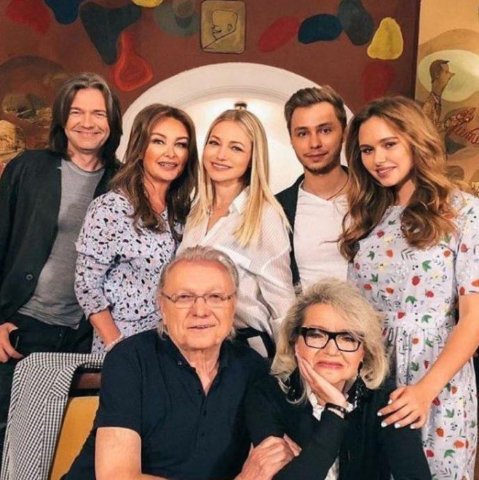 Талантливая мама Дмитрия Маликова всегда в тени. Кто же она