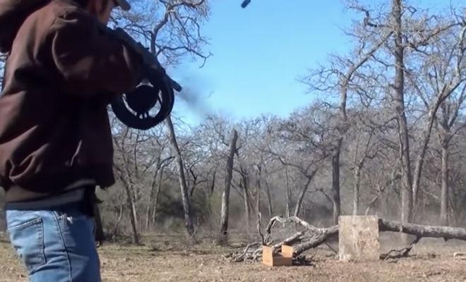 Сайга-12: техасский рейнджер проверил русский карабин техасец, карабин, решил, очередью, магазин, таким, вообще, больше, обвесом, Техасскому, патроновС, карабином, кастомным, Сайгу, снарядил, дальше, барабаном, Штурмовая, выглядит, пушка