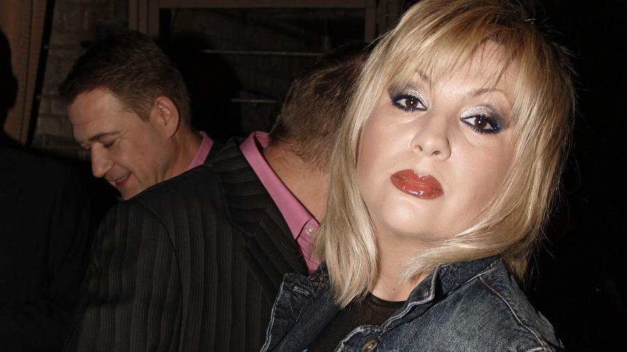 Исполнительница песни «Ягода-малина» впала в кому после травмы головы Шоу бизнес