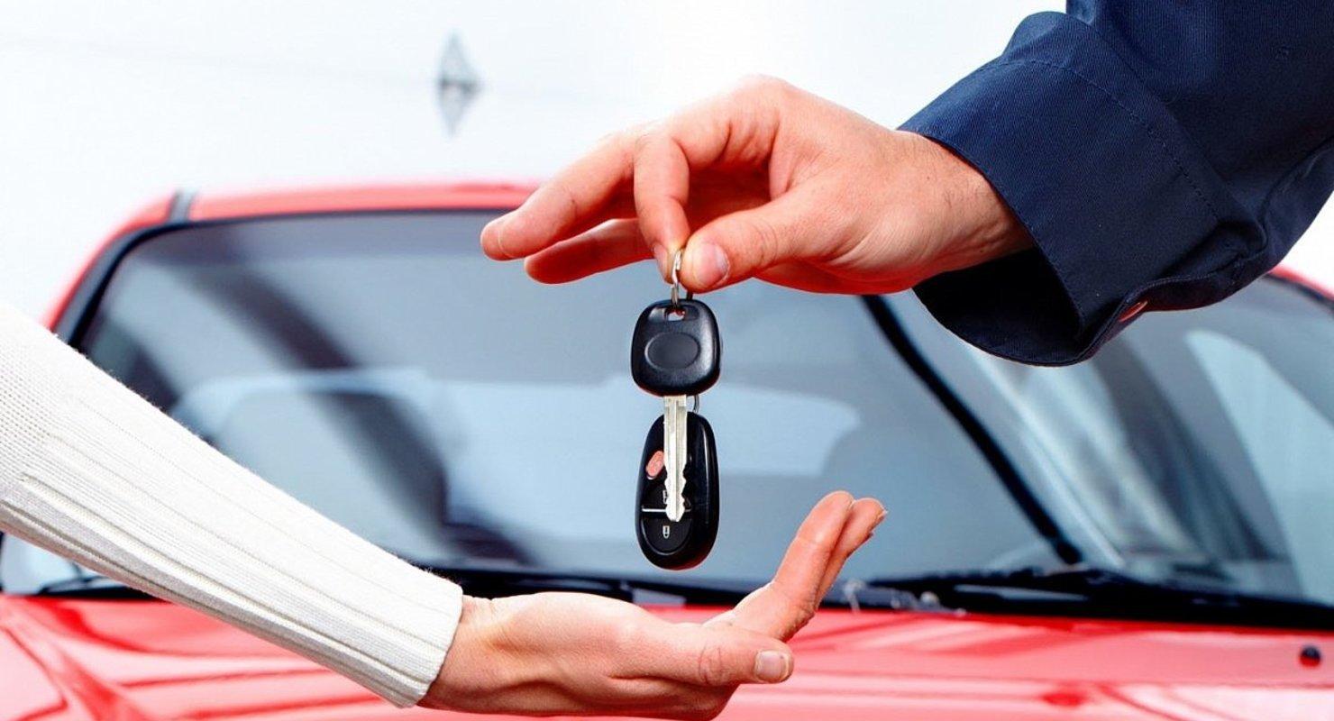 Дилеры жалуются на нехватку премиальных авто Автомобили