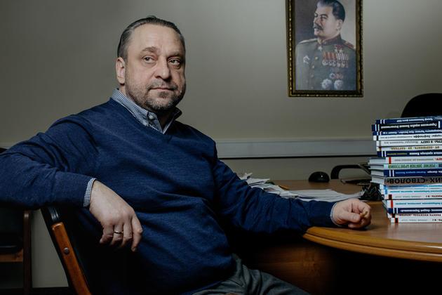 Именем Сталина: Как «Яуза» Павла Быстрова делает деньги на книгах о величии СССР
