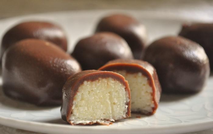 Домашние конфеты с кокосом Баунти. |Фото: AllChoco.com