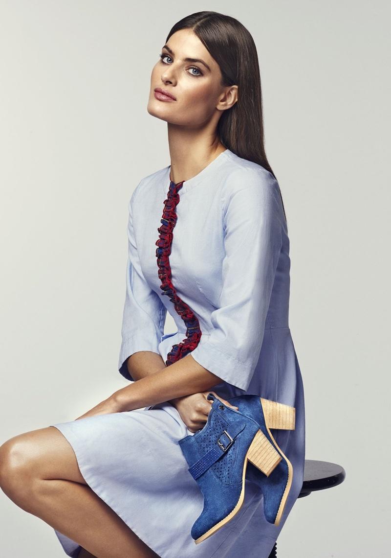 Изабели Фонтана  весна-лето 2018 года от Carmela Shoes