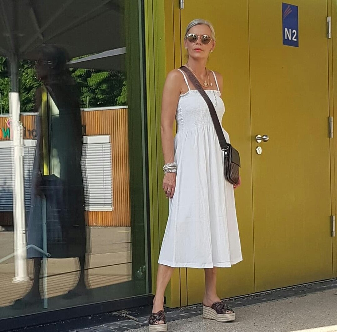 Лето — пора сарафанная: какой сарафан выбрать после 50, чтобы чувствовать себя комфортно и выглядеть привлекательно