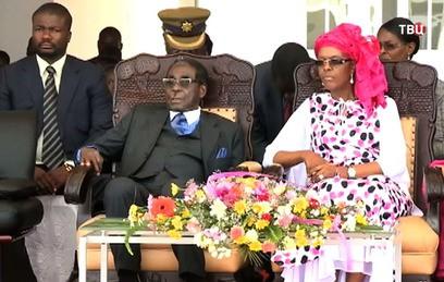Президент Зимбабве Мугабе встретится с военными