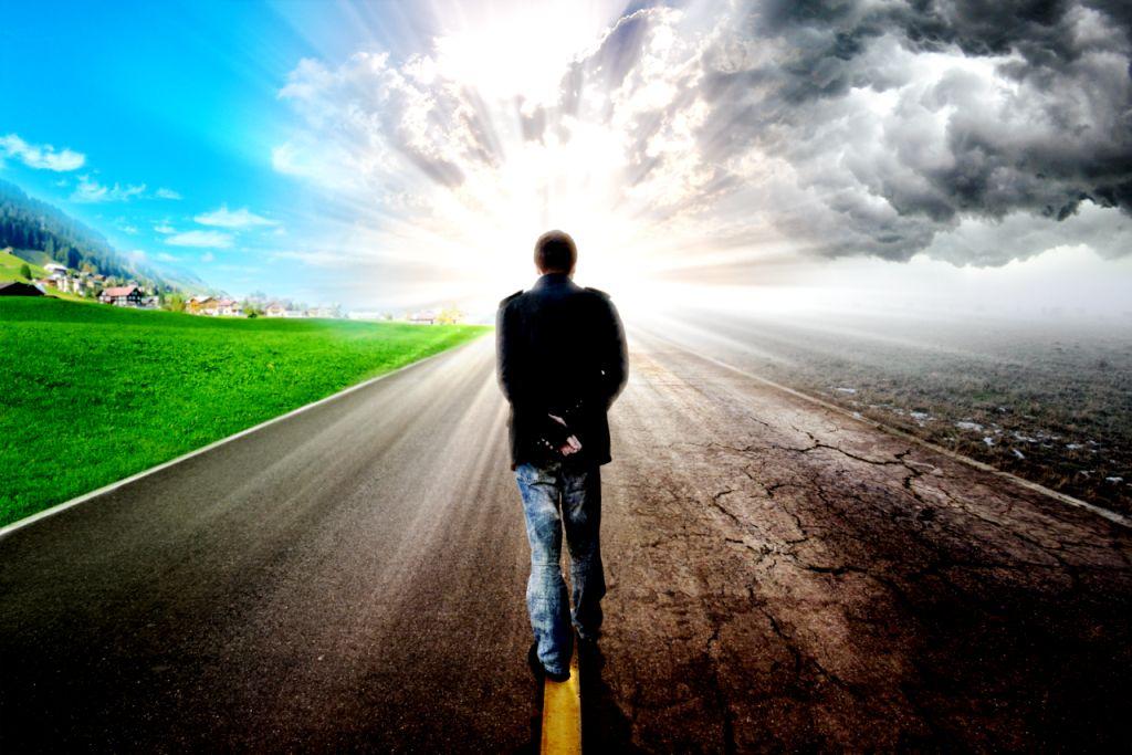 Человек идущий по дороге картинки
