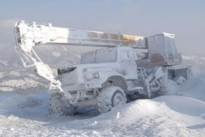 Ледяная пустыня Крайнего севера против техники: грузовики и тягачи, которые проиграли природе арктика,вездеход,крайний север,Пространство,тягач