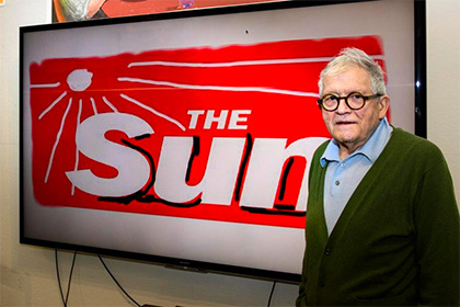 Дэвид Хокни переработал логотип таблоида The Sun с помощью iPad