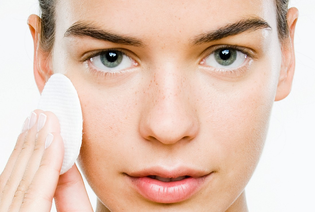 8 ошибок при удалении макияж…