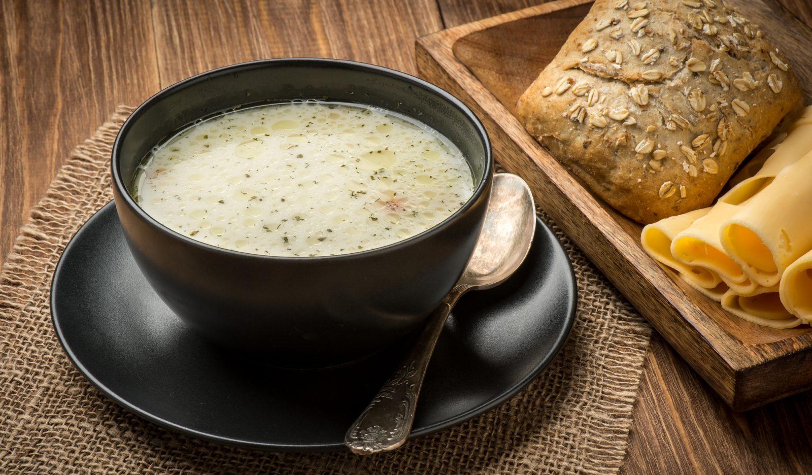 Сырный суп с лесными грибами супы